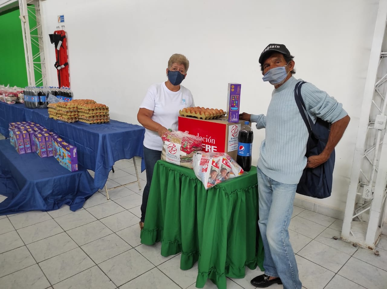 ENTREGA DONACIONES FUNDACIÓN DENOMINACIÓN PANAMERICANA POR LA OLA INVERNAL (2)