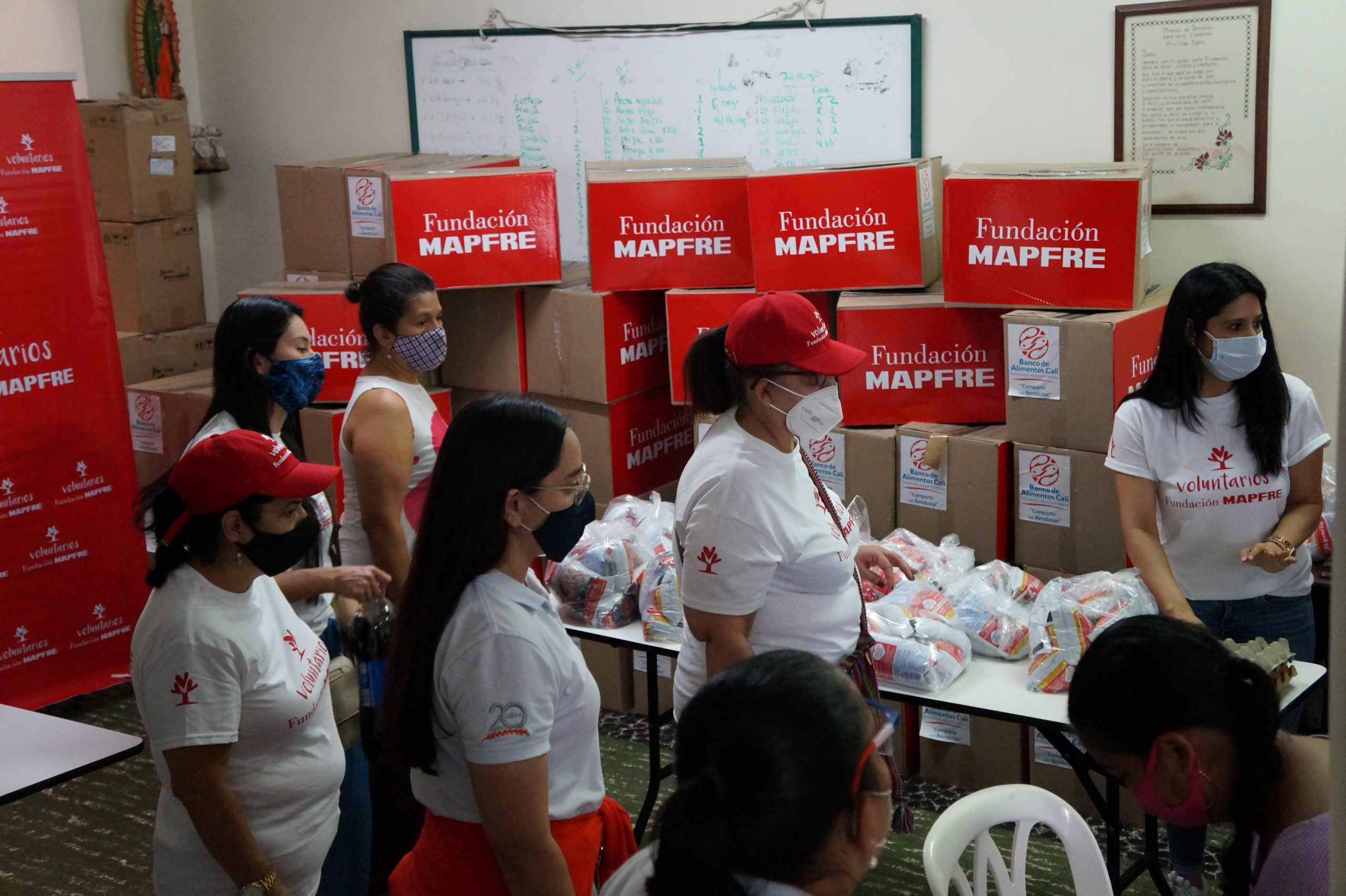 Entrega Donaciones Mapfre FUndación pro vida digna Mujeres lactantes (7)