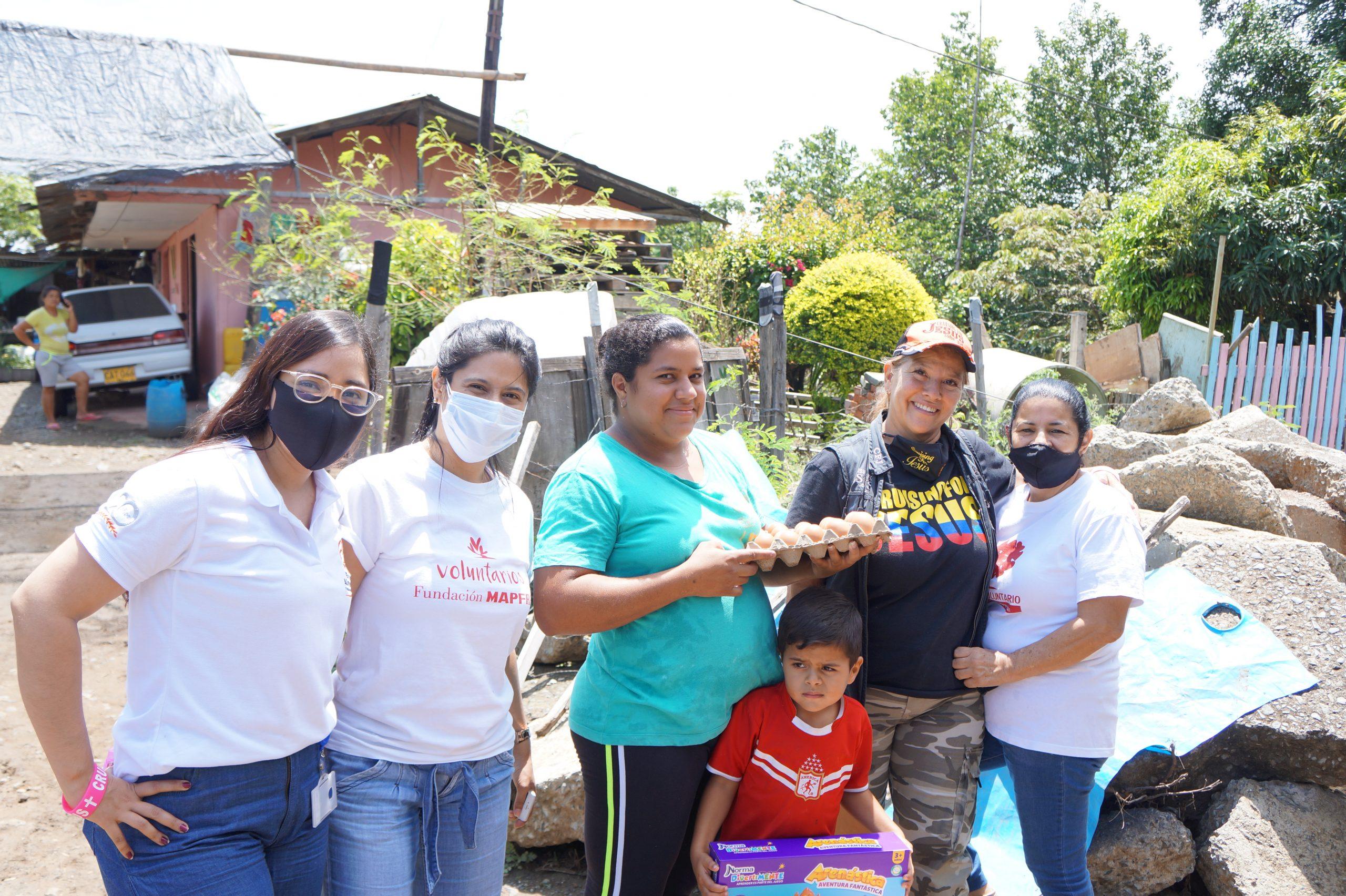 Entrega Donaciones Mapfre corregimiento Piles Fundación Cruising for Jesus (16)