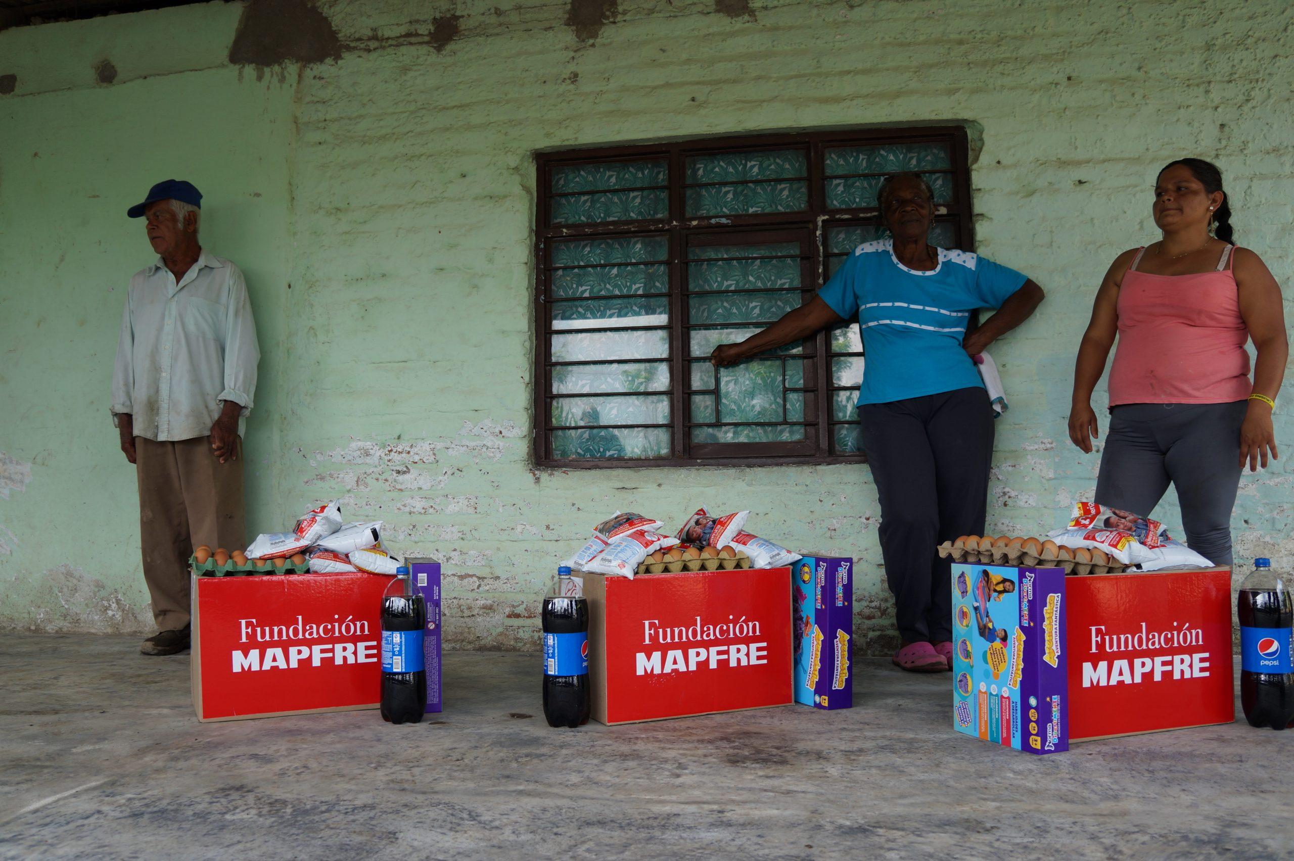 Entrega Donaciones Mapfre corregimiento Piles Fundación Cruising for Jesus (3)