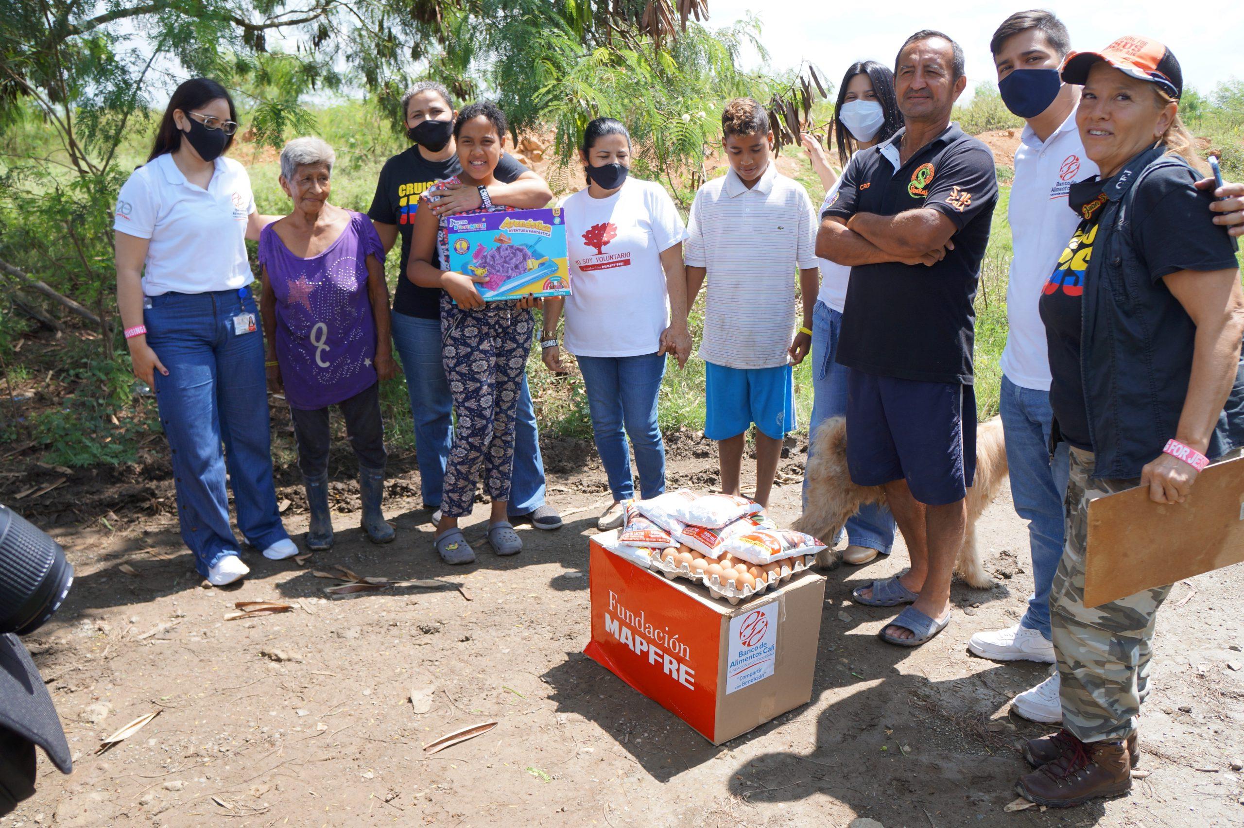 Entrega Donaciones Mapfre corregimiento Piles Fundación Cruising for Jesus (8)