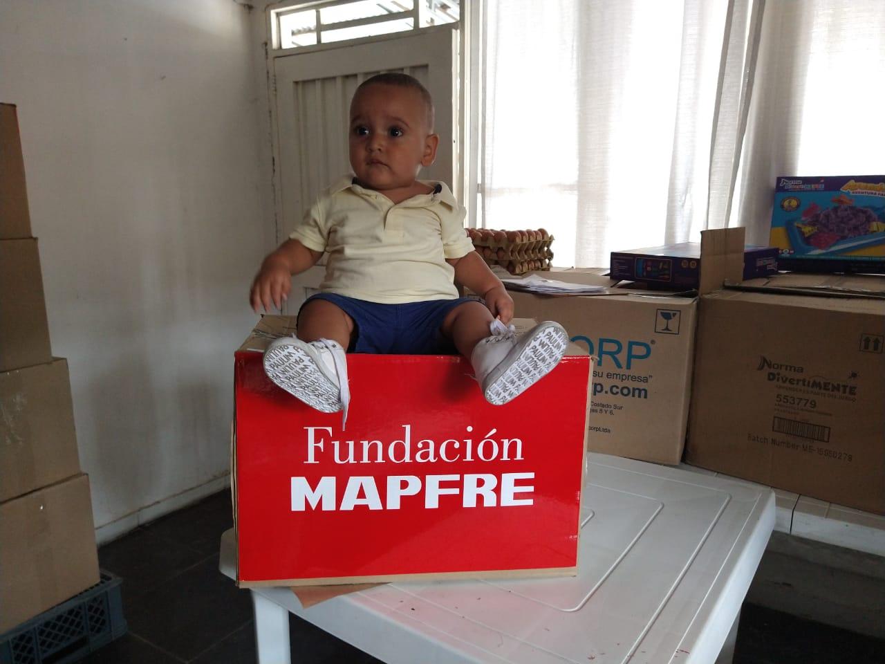 Entrega donación Fundación Canto Alabanza (10)
