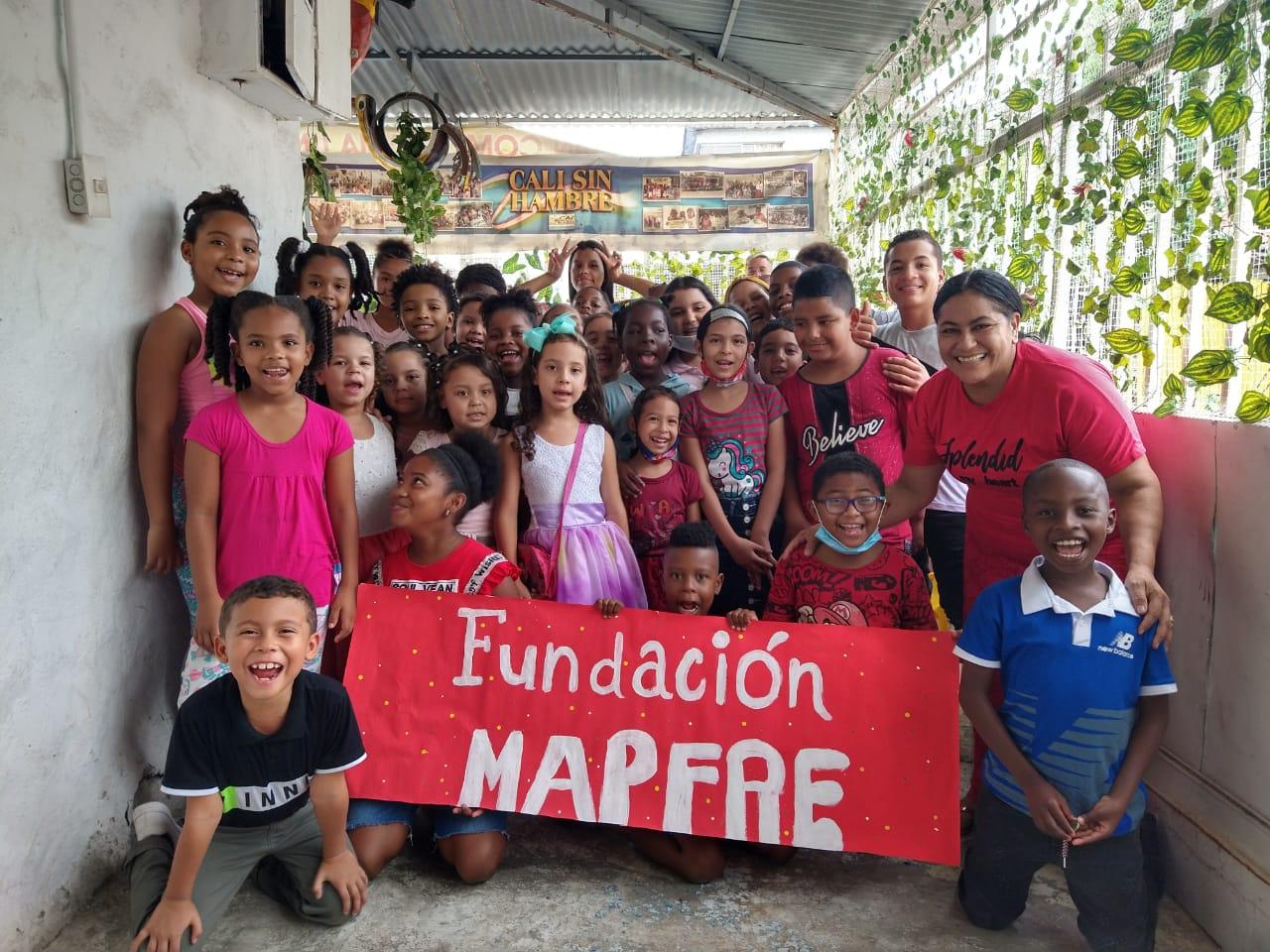 Entrega donación Fundación Canto Alabanza (13)