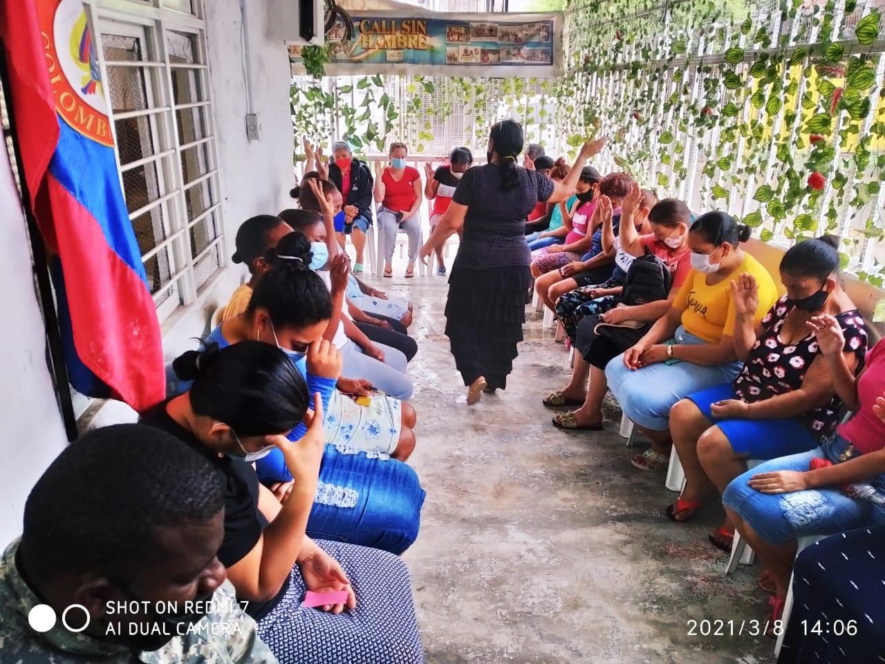 Entrega donación Fundación Canto Alabanza (24)