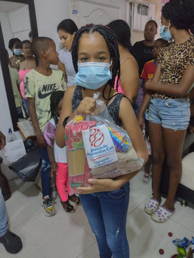 Entrega Kits Alimentarios Fundación Futuro y Encuentro (10)