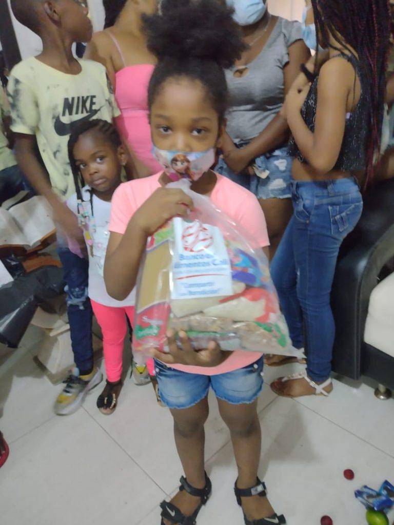 Entrega Kits Alimentarios Fundación Futuro y Encuentro (11)