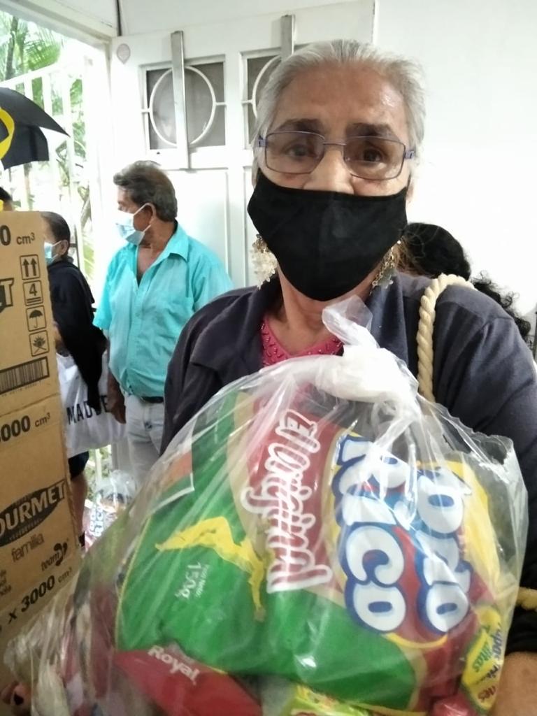 Entrega Kits Alimentarios Parroquia Doce Apostoles (1)