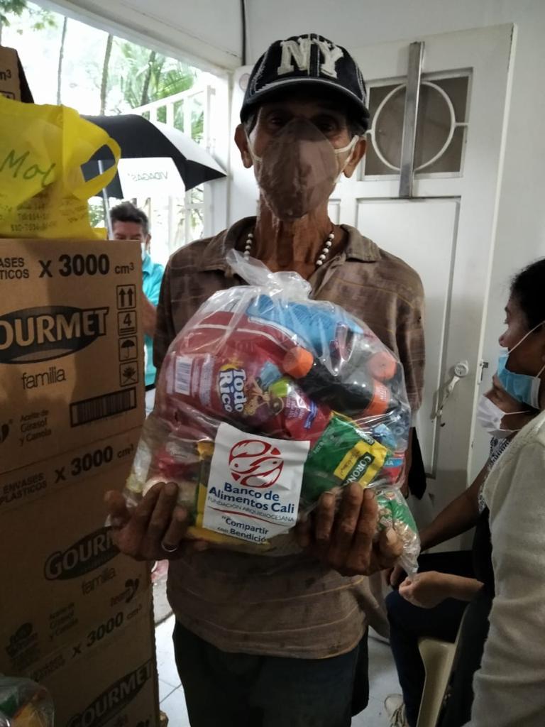Entrega Kits Alimentarios Parroquia Doce Apostoles (10)