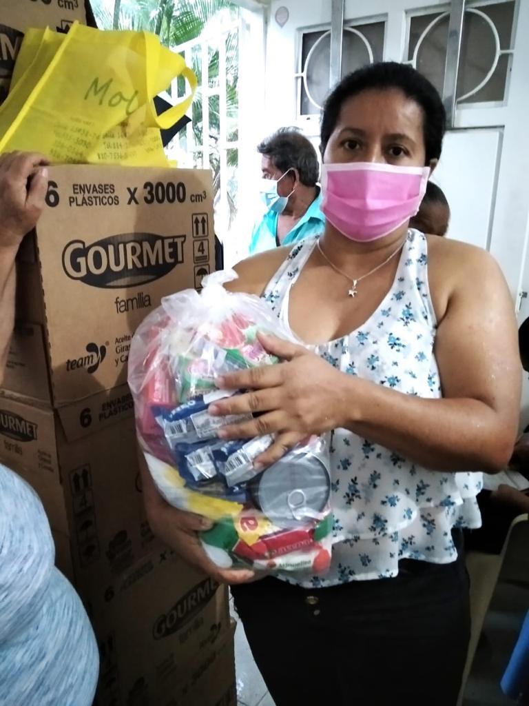 Entrega Kits Alimentarios Parroquia Doce Apostoles (5)